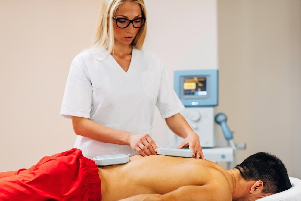 Магнитотерапия при остеохондрозе позвоночника: показания и противопоказания